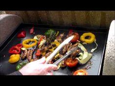 Aiguillettes de poulet avec des tomates à la provençale et sa farandole de légumes cuisson PLANCHA - YouTube