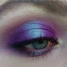 Shimmery Eyes |  | 17 Beautiful Summer Makeup Ideas You Must Try Now! by Makeup Tutorials at http://makeuptutorials.com/summer-makeup-ideas/