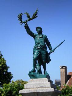 Monument aux morts – Vouvant, Pays de la Loire