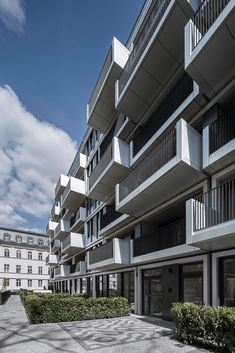 Gallery of Residential, Office and Hotel Building in Am Zirkus / Eike Becker…
