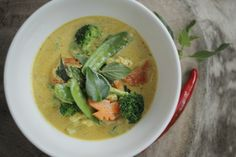 Thai Vegetable Curry : The Healthy Chef – Teresa Cutter Healthy Comfort Food, Healthy Chef, Healthy Eating, Vegetable Green Curry, Vegetarian Recipes, Healthy Recipes, Alkaline Recipes, Raw Recipes, Vegetarian Soup