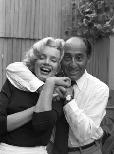 1953. Marilyn Monroe and Alfred Eisenstaedt at Monroe's Beverly Hills home. Photo by Alfred Eisenstaedt