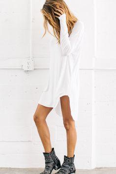 .Rock 'n' Roll Style ✯ White Tunic Dress