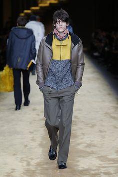 Look 24 from the Fendi Fall/Winter 2016-2017 Menswear runway show.