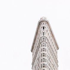 the flatiron buliding in New York City #NYC // picture by isabella gonzalez #Flatironbuilding #coolarchitecture #NewYork