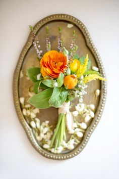 Tips For DIYing Boutonnieres - http://fabyoubliss.com/2014/09/25/tips-diying-boutonnieres-communicating-florist-alison-fleck/