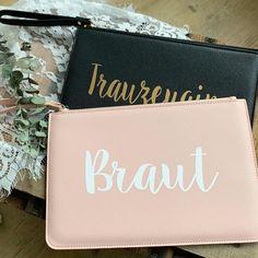 Die neue Clutch / Kulturtasche ist besonders dazu da, um der Braut, der Trauzeugin oder euren Brautjungfern eine Freude zu bereiten 💕 Sie sind aber auch perfekt als Geschenk zum Geburtstag oder einfach mal so zwischendurch ☺️ Erhältlich in schwarz, weiß und rosa - passend zu den Reise-Sets. 🎀 Personalisierung möglich 🎀  #freudenglueck #handmade #individuell #personalisiert #personalisiertegeschenke #genähtes #selbstgemacht #geschenkidee #geschenke #deko #hochzeit #baby #hochzeit2020 #hochzeit Clutch, Instagram, Baby, Pink, Personalized Gifts, Gifts For Birthday, Bridesmaids, Glee, Monochrome