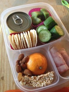 Busy Girl Bentos: Too many snacks, not enough lunch.