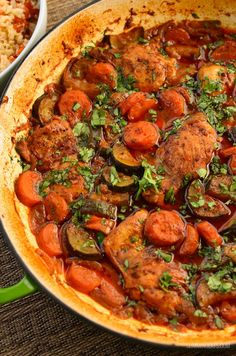 Slimming Eats Moroccan Chicken Casserole - gluten free, dairy free, paleo, Slimming World and Weight Watchers friendly Fun Easy Recipes, Healthy Recipes, Savoury Recipes, Skinny Recipes, Savoury Dishes, Clean Eating Recipes, Healthy Eating, Healthy Food, Healthy Meals