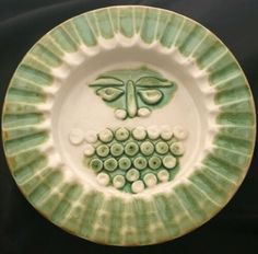Vintage BENNINGTON Pottery Bowl Green Sun Face RA5 | eBay Bennington Pottery, Pottery Bowls, Pie Dish, Vintage Designs, Plates, Sun, Tableware, Face, Green