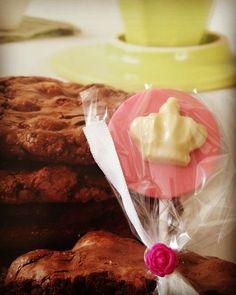 Chupaletas de chocolate tematicas #candybar #chocolate #chupaletas #dulces #golosinas #Sweets