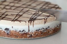 Slutty Brownie Ice Cream Cake from www.whatsgabycooking.com