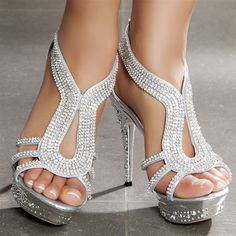 Diamonds are a gurls best friend!!! This pair of heels is so sexy!!! <3