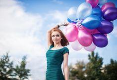 Chica con sus globos. #ballons #colorful #photography #portrait