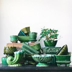Ideas for flowers vintage green Vintage Planters, Vintage Vases, Vintage Pottery, Vintage Ceramic, Ceramic Planters, Mccoy Pottery, Ceramic Pottery, Pottery Art, Kitsch