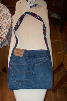 blue jean bag, I think these could be made out of bluejean skirts also... gonna try it