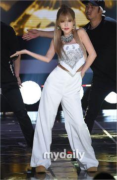 """T-ARA キュリ、6/20放送「THE SHOW」でソロステージを披露""""カリスマ性溢れるステージ"""""""