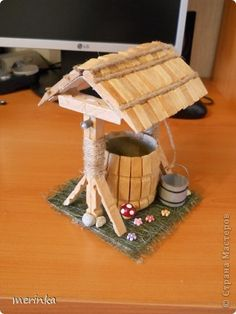 Wooden Clothespin Crafts, Wooden Pegs, Popsicle Stick Crafts For Kids, Craft Stick Crafts, Home Crafts, Diy And Crafts, Diy Barbie Furniture, Fairy Garden Furniture, Toy House