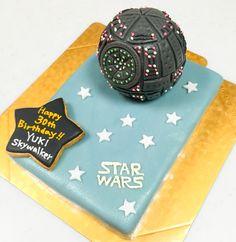 スターウォーズ デススターのケーキ Happy 30th Birthday, Star Wars, Cakes, Cake Makers, Kuchen, Cake, Pastries, Starwars, Cookies