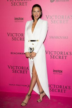 Adriana Lima - Victoria's Secret After Party 2016 Paris Adriana Lima Victoria Secret, Victoria Secret Angels, Victorias Secret Models, Victoria Secret Fashion Show, Brazilian Supermodel, Fashion Show 2016, Victoria's Secret, White Dresses For Women, Max Factor