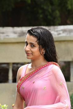 Trisha Hot In Pink Wet Transparent Saree Pictures from Aranmanai 2 7