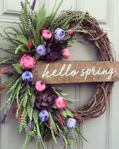 Whispy floral wreath kclee co 24 adorable easter front door wreaths Wreath Crafts, Diy Wreath, Grapevine Wreath, Wreath Ideas, Wreath Making, Couronne Diy, Diy Easter Decorations, Easter Wreaths Diy, Christmas Wreaths