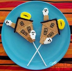 Haunted House Smores pops