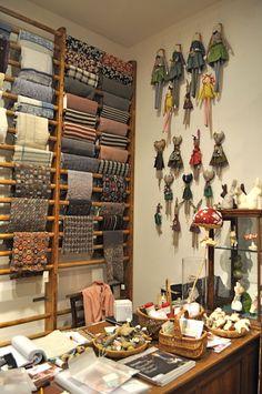 New Fabric Storage Ideas Quilt Room Display Ideas Sewing Room Design, Craft Room Design, Sewing Studio, Sewing Rooms, Fabric Display, Hanging Fabric, Fabric Storage, Ribbon Storage, Scarf Display
