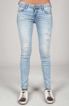 Denim Jeans, jeggings y Vaqueros para Mujer Denim Jeans, Skinny Jeans, Jeggings, Woodstock, Pants, Fashion, Women, Clothing, Trouser Pants