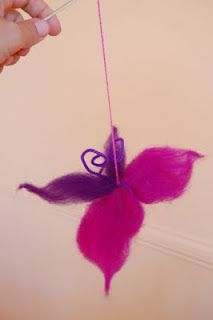 How to make a handmade butterfly toy with wool fibres - Big Hearted Education How To Make Butterfly, Simple Butterfly, Butterfly Crafts, Crafts To Do, Felt Crafts, Crafts For Kids, Summer Camp Crafts, Camping Crafts, Waldorf Crafts