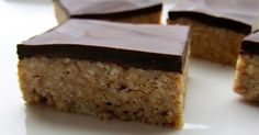 Homemade Almond Power Bars w chocolate...delicious!  Great for those power summer days