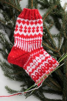 Sweet things: 2017 Knitting Socks, Advent, Christmas Stockings, Needlework, Holiday Decor, Crochet, Sweet, Diy, Slippers
