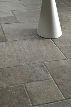 Particolare pavimento esterno (3) | Marciapiede e portico ...