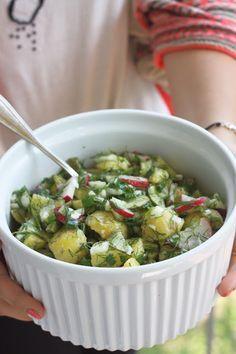 Smakowity Blog Kulinarny: Sałatka z młodych ziemniaków Sprouts, Grilling, Salads, Vegetables, Recipes, Food, Crickets, Recipies, Essen