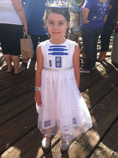 Woulf make a cute flower girl dress for star wars wedding