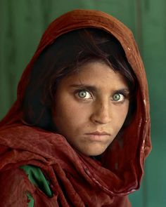 Steve McCurry, Ragazza Afgana, 1984