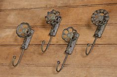 New Set of 4 Iron Faucet Hooks Bath Garden Spigot Wall Hook Primitive Country Primitive Bathrooms, Wholesale Home Decor, Country Primitive, Primitive Decor, Prim Decor, Primitive Antiques, Country Crafts, Country Decor, Old Tools