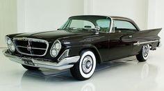 "Chrysler 300: o modelo 1955 era quase de ""corrida"", com motor V8 e velocidade máxima de 200km/hora. No mercado pode custar quase 80.000 dólares."