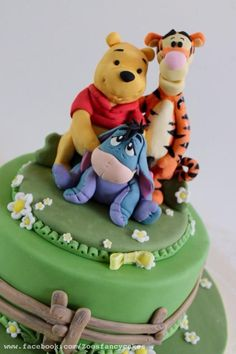 Winnie the pooh and friends cake by Zoe's Fancy Cakes