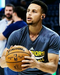pinterest// samparra515 Stephen Curry Basketball, Nba Stephen Curry, Basketball Is Life, Basketball Legends, Sports Basketball, Softball Room, Steph Curry Wallpapers, Stephen Curry Photos, Wardell Stephen Curry