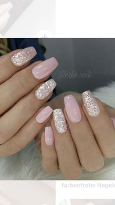 Your graduation nails will be the most outstanding at a party with the help of our tips. All your school girlfriends will envy your sophisticated manicure and ask you how you got inspired. In order to help you to choose the right prom nails, we have Pink Gel Nails, Pink Nail Art, Best Acrylic Nails, Glitter Nail Art, Acrylic Nail Designs, Red Nail, Pink Glitter, Neutral Gel Nails, Light Pink Nails