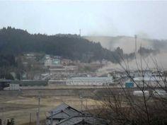 南三陸町志津川高校から見た津波の様子 Tsunami attacking in Minami-Sanriku - YouTube