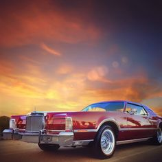 1979 Lincoln Mark 5      1979 Lincoln Mark 5 .. Cartier Edition .. like the picture.