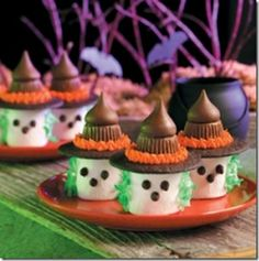 Okay, seriously?  The kids can make these little goodies themselves!  Ingenious, and I bet it would be such a fun afternoon making a bunch of these delicious witches!