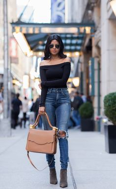 WINDING DOWN IN MIDTOWN [[MORE]] Top: Asos / Jeans:Citizens of Humanity / Bag: Thale Blanc / Shoes: Aska Fashion By Walk In Wonderland