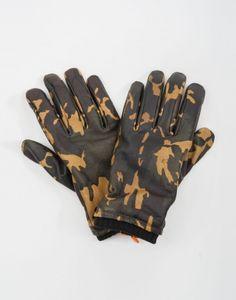 glove-camo