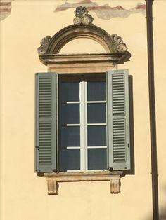 Window with shutters, Verona