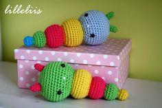 lilleliis.blogspot.com: Crochet gurgling babies / Crochet Rattle for babies