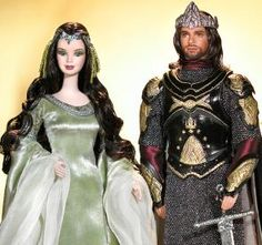 Lord of the Rings Barbie and Ken as Arwen and Aragorn. In honor of the film trilogy, Mattel presents Collectors Edition Lord of the Rings Barbie and Ken. These two stunning recreations of Arwen and Aragorn are displayed on stands with a background inspir Barbie Und Ken, Barbie I, Barbie World, Barbie Clothes, Aragorn, Arwen, Beanie Babies, Barbie Celebrity, Mattel