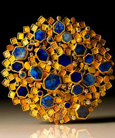 """Brooch by Judith Kaufman. yellow gold, green gold, rose gold, sapphires and diamonds. Funny how """"lapis"""" looks so good against """"gold,"""" but """"blue and yellow"""" makes me think of kitchen curtains. Contemporary Jewellery, Modern Jewelry, Jewelry Art, Vintage Jewelry, Fine Jewelry, Handmade Jewelry, Etsy Jewelry, Art Nouveau, Philadelphia Museum Of Art"""